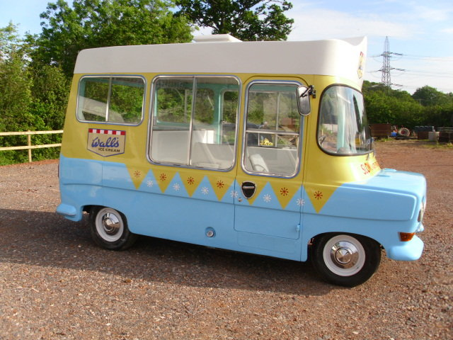1969 bedford ca electro-freeze ice cream van For Sale (picture 3 of 6)