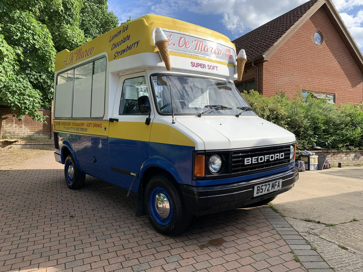 1984 Lovely classic ice cream van For Sale (picture 2 of 6)