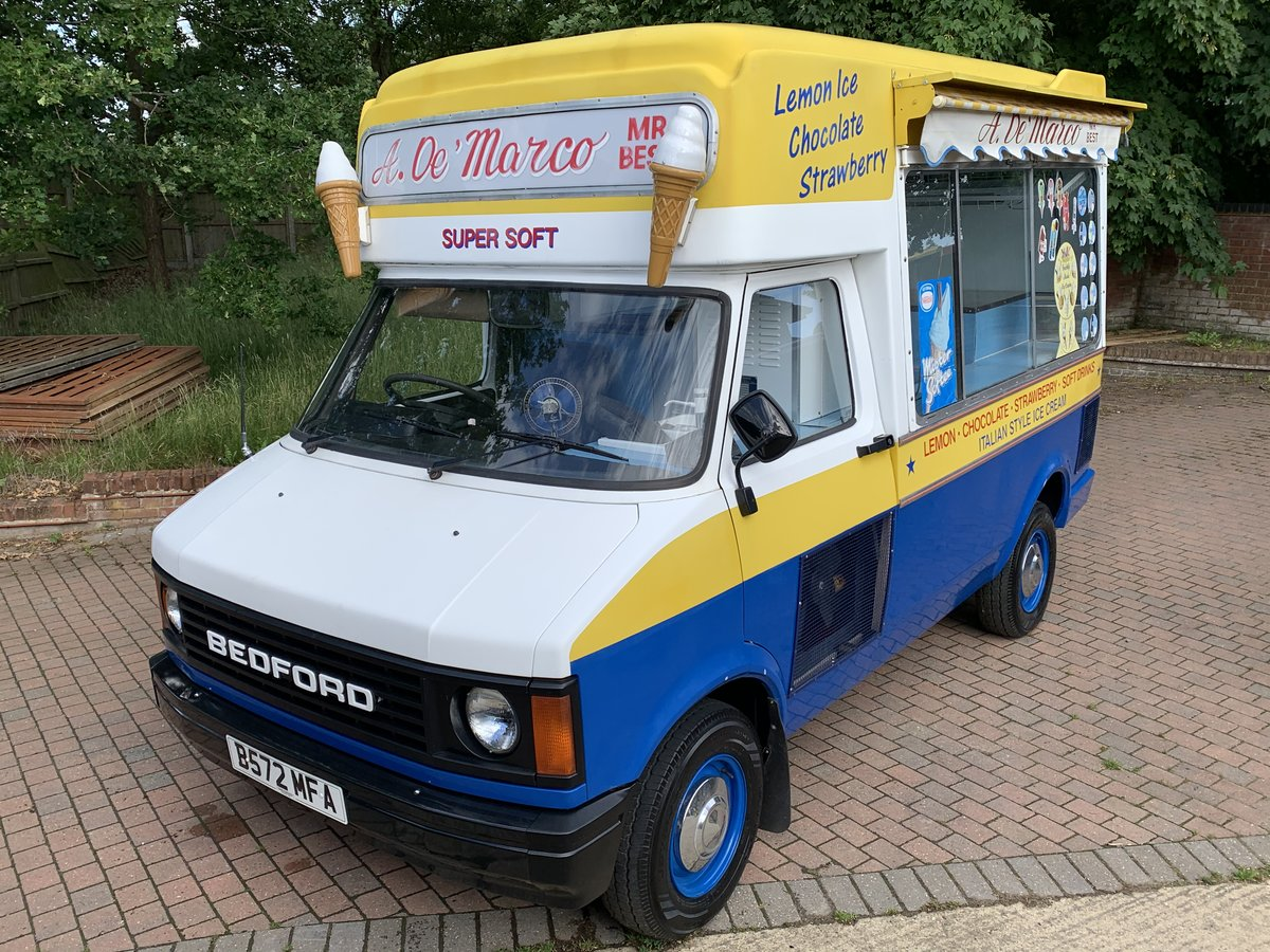 1984 Lovely classic ice cream van For Sale (picture 3 of 6)