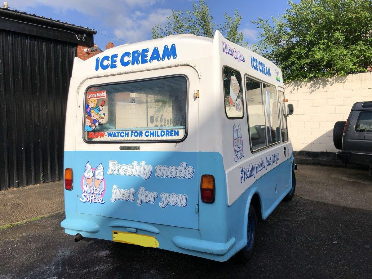 1972 Classic Bedford Cf Morrison Ice Cream Van Icecream For Sale (picture 2 of 5)