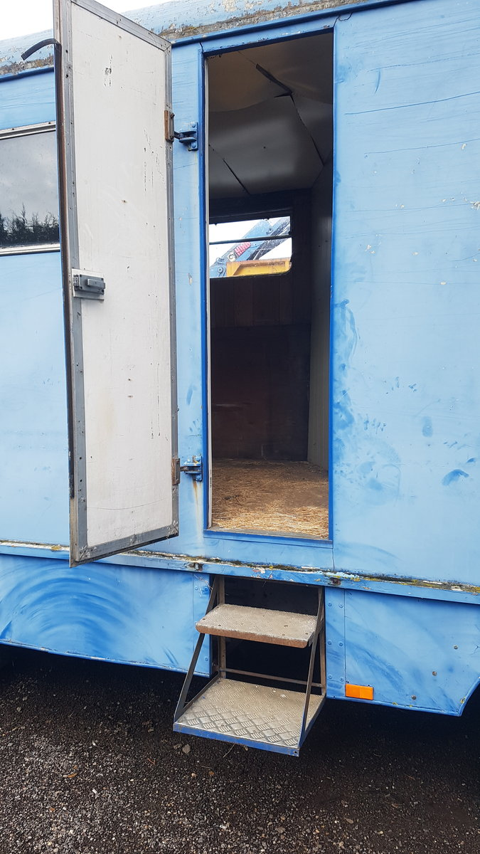 1974 Very rare TK removal lorry convert to horse box For Sale (picture 4 of 6)