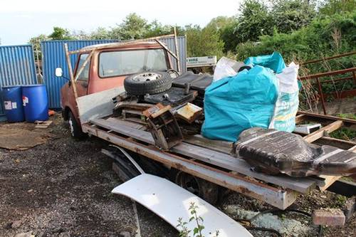 1986 Restoration Project Bedford CF truck with loads of spares For Sale (picture 2 of 6)