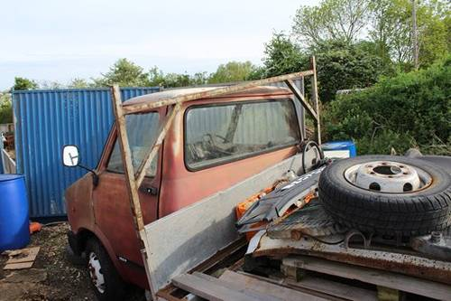 1986 Restoration Project Bedford CF truck with loads of spares For Sale (picture 4 of 6)