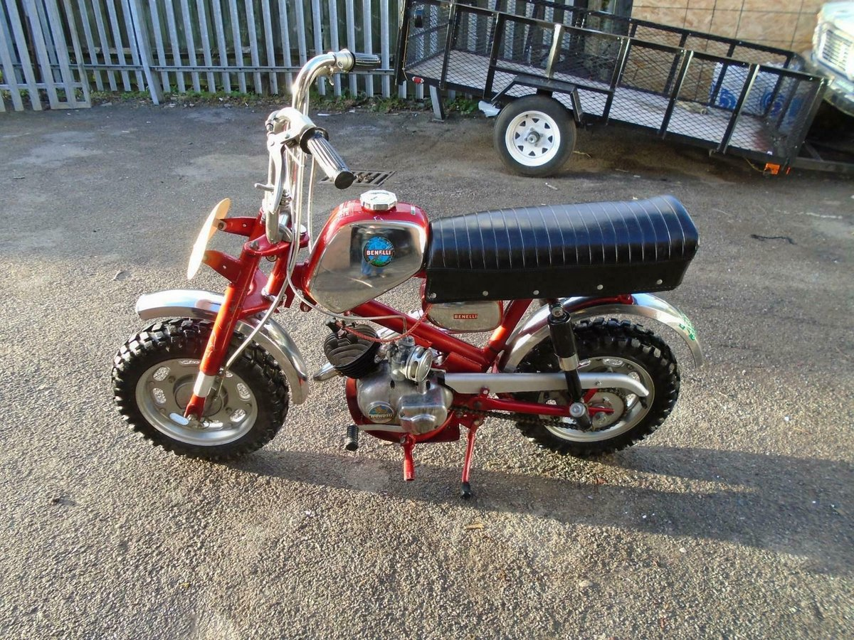 BENELLI 50cc MINI/MONKEY BIKE (1970) MET RED! VERY RARE! EXC SOLD (picture 1 of 6)