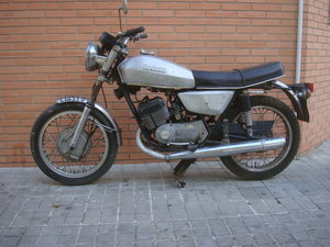 1975 Benelli 250 2C RARE first serie front Drum