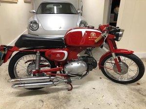 Benelli, Motobi Imperiale sport 125