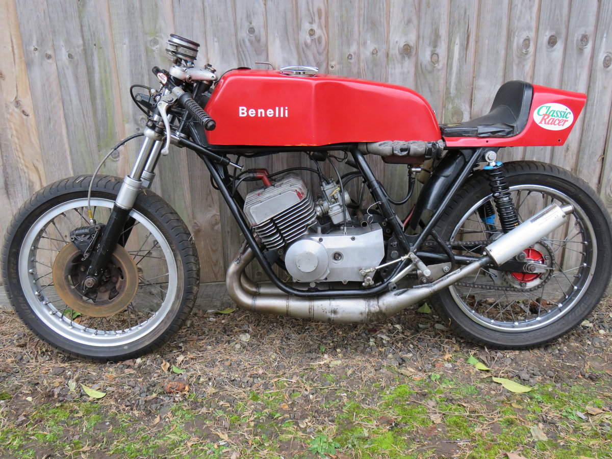 1974 Benelli 2c race bike SOLD (picture 2 of 6)