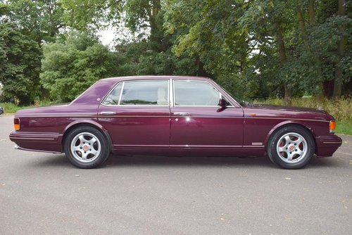 1998 R Bentley Turbo RT in Wildberry For Sale (picture 4 of 6)