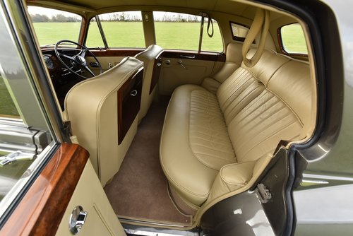 1962 1960 Bentley S2 Saloon For Sale (picture 5 of 6)