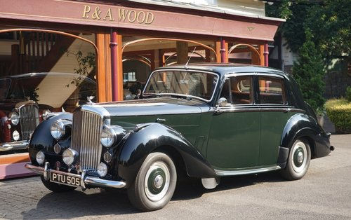 Bentley R-Type 1953 Standard Saloon For Sale (picture 1 of 3)