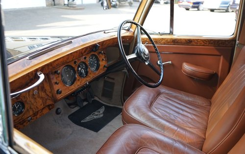 Bentley R-Type 1953 Standard Saloon For Sale (picture 3 of 3)