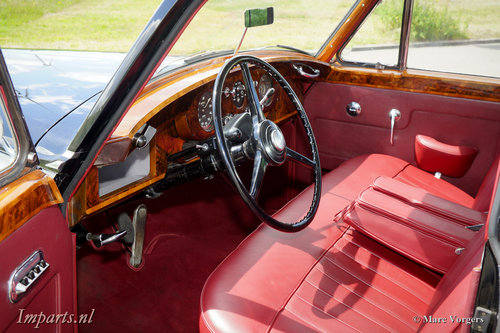 1959 Excellent Bentley S1 Saloon LHD For Sale (picture 2 of 6)