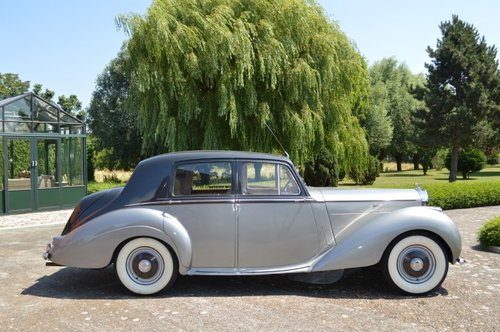 1954 Bentley R-Type standard saloon For Sale (picture 2 of 6)