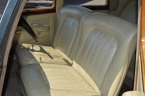 1954 Bentley R-Type standard saloon For Sale (picture 4 of 6)