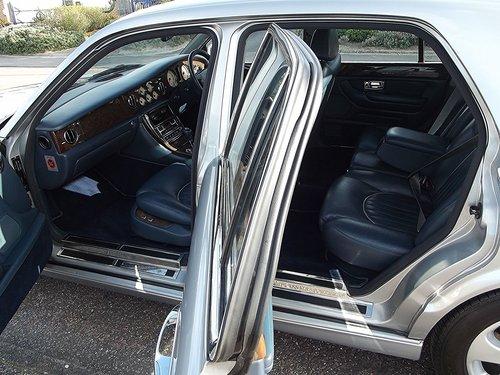 1998 S BENTLEY ARNAGE 4 DOOR AUTO RED LABEL SALOON SOLD (picture 4 of 6)