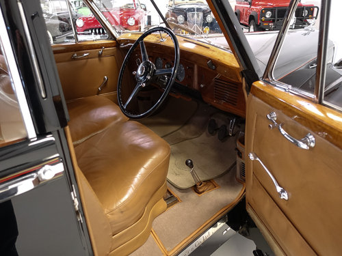 "1951 Bentley Mark VI ""Light Weight"" Sports Saloon by H.J. Mu For Sale (picture 3 of 6)"