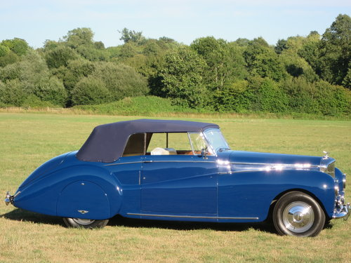 1950 Bentley MK VI Drophead By Abbott of  Farnham For Sale (picture 2 of 6)