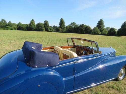 1950 Bentley MK VI Drophead By Abbott of  Farnham For Sale (picture 4 of 6)
