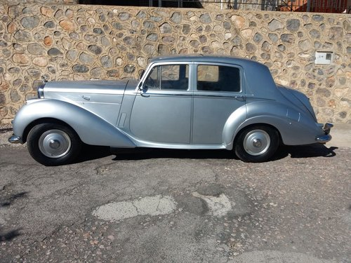 Bentley R Type 1953 For Sale (picture 1 of 4)