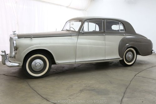 1954 Bentley R-Type Coach Built by James Young For Sale (picture 3 of 6)