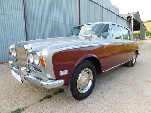 Superb 1972 Bentley T1 Saloon For Sale (picture 1 of 6)