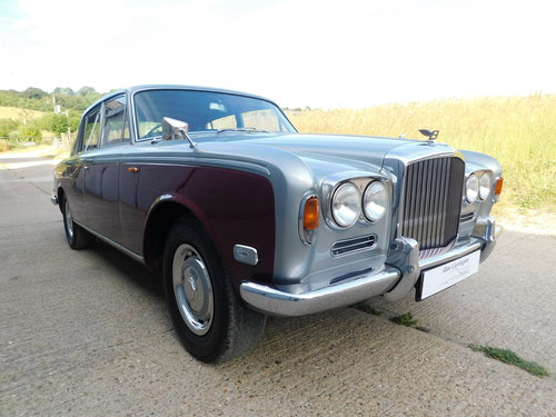 Superb 1972 Bentley T1 Saloon For Sale (picture 2 of 6)