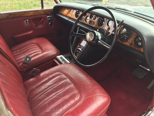 Superb 1972 Bentley T1 Saloon For Sale (picture 4 of 6)