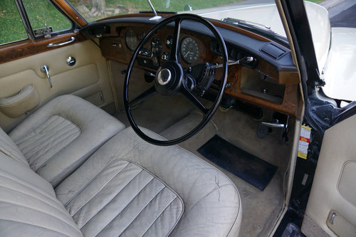 RHD 1965 Bentley S3 just out of renown collection rare find SOLD (picture 2 of 6)