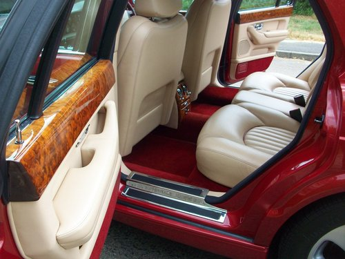2000  (X Reg) BENTLEY ARNAGE RED LABEL SOLD (picture 3 of 6)