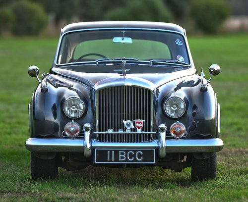 1960 Bentley S2 Continental Flying Spur 6-light Saloon by H. For Sale (picture 2 of 6)