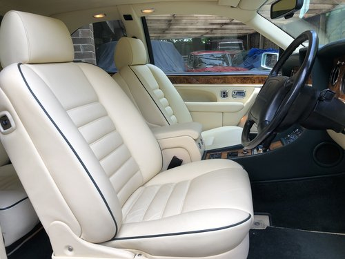 1993 BENTLEY CONTIENTAL R For Sale (picture 4 of 5)
