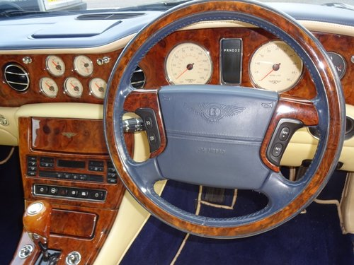 2000 BENTLEY ARNAGE RED LABEL - ONLY 43,000 MILES SOLD (picture 5 of 6)