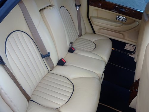 2000 BENTLEY ARNAGE RED LABEL - ONLY 43,000 MILES SOLD (picture 6 of 6)
