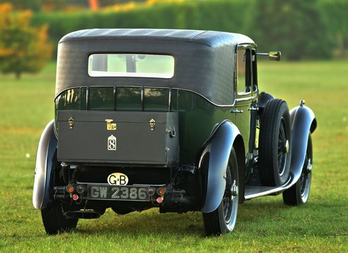 1931 Bentley 8.0 Litre Weyman Saloon by H.J. Mulliner For Sale (picture 3 of 6)