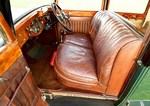 1931 Bentley 8.0 Litre Weyman Saloon by H.J. Mulliner For Sale (picture 5 of 6)