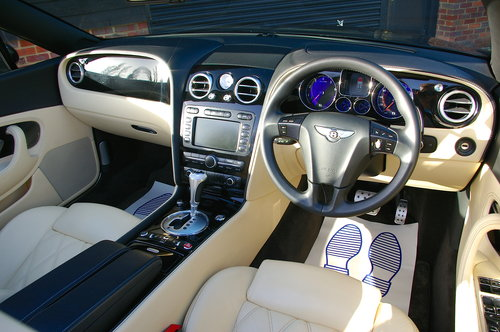2008 Bentley Continental 6.0 W12 GTC MULLINER Auto (39,233 miles) SOLD (picture 5 of 6)