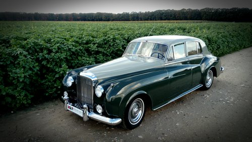 1957 Bentley S1 in factory original paint. For Sale (picture 1 of 2)