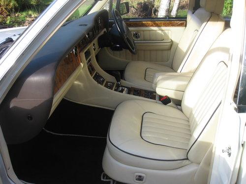 1993 Bentley Brooklands For Sale (picture 4 of 6)