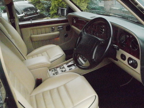 1996 Bentley Brooklands for sale For Sale (picture 4 of 6)