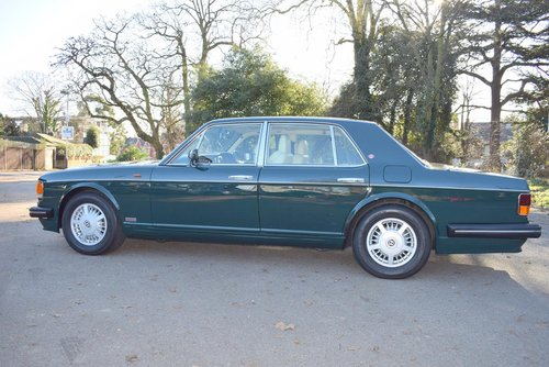 1995 M Bentley Turbo R MK III in Racing Green For Sale (picture 4 of 6)