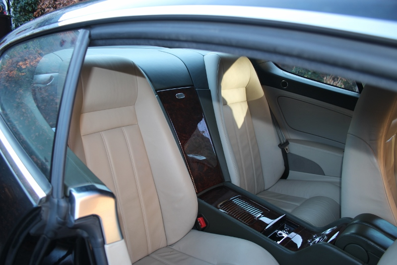 Elegant LHD Bentley Continental Coupe from 2004 For Sale (picture 3 of 6)