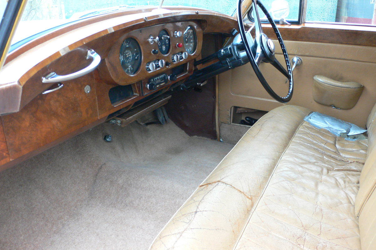 1958 Bentley S1 with Rolls-Royce Grille For Sale by Auction (picture 4 of 6)