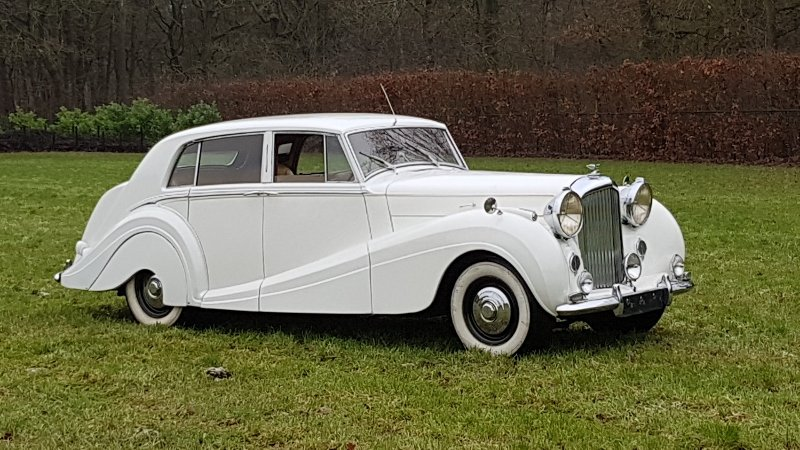 Bentley MK6 H.J. Mulliner sport saloon 1951 rhd For Sale (picture 1 of 6)