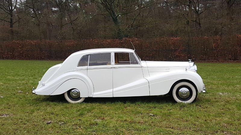 Bentley MK6 H.J. Mulliner sport saloon 1951 rhd For Sale (picture 2 of 6)