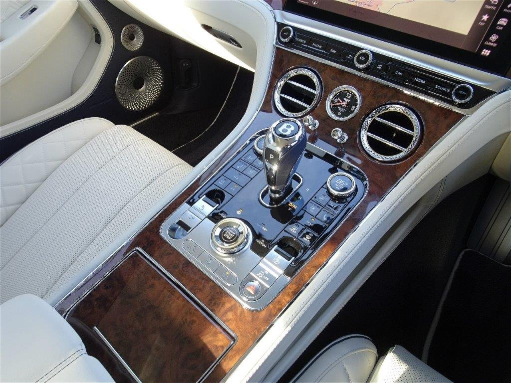 2019 Bentley Continental GT 6.0 W12 Auto RHD 200 miles (19) Reg For Sale (picture 4 of 6)