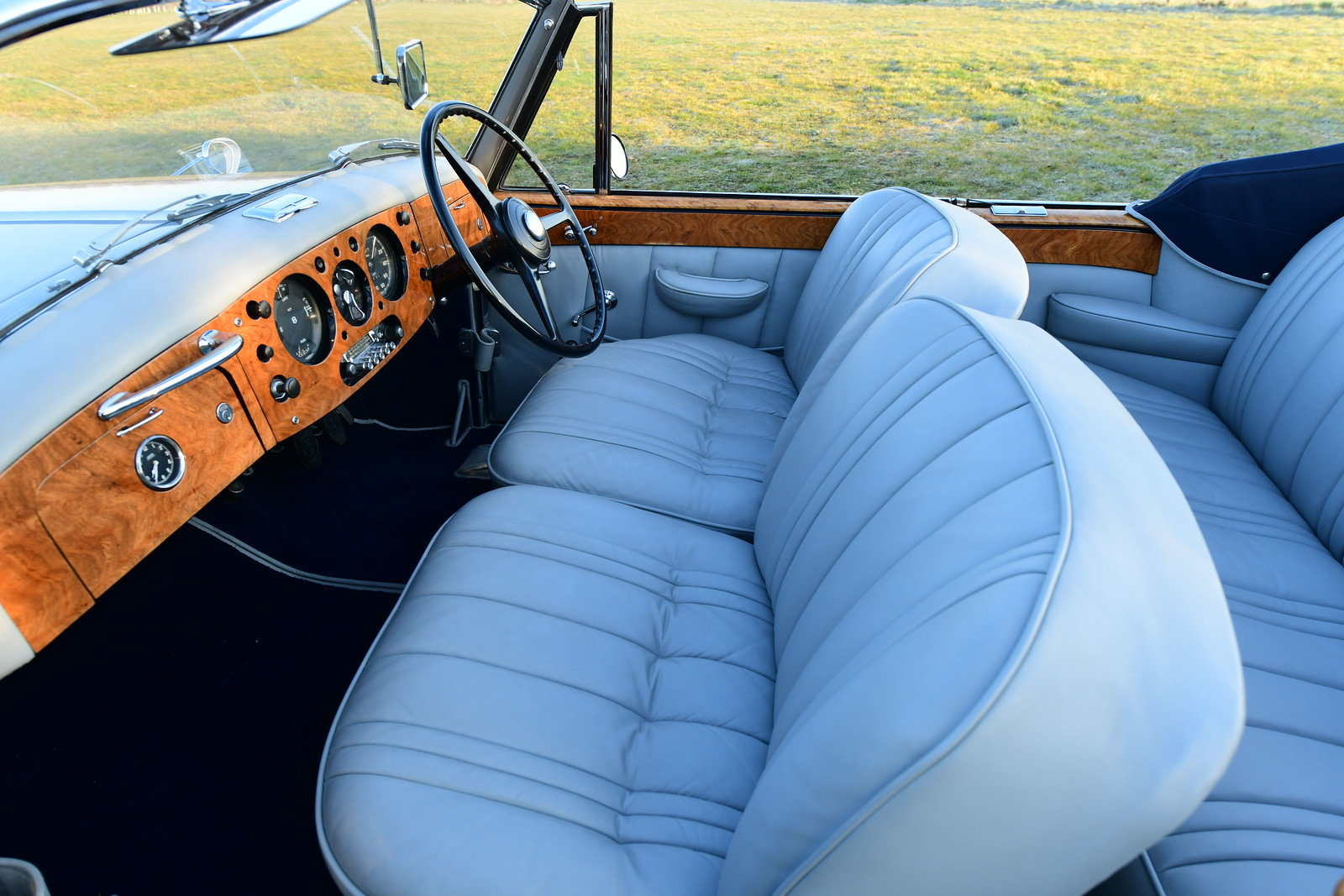 1952 Bentley R-Type DHC by Graber For Sale (picture 4 of 6)