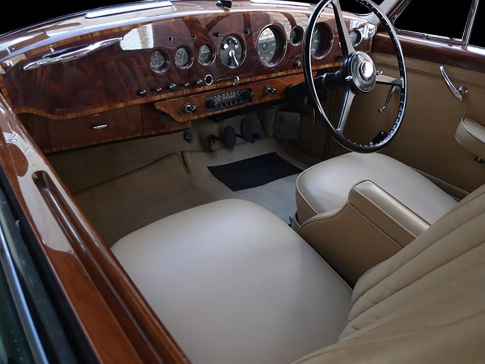 1953 Bentley R Type Continental Fastback by H.J.Mulliner For Sale (picture 2 of 2)