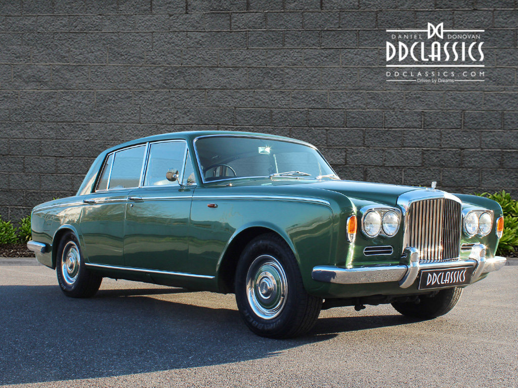 1969 Bentley T Series (RHD) For Sale In London SOLD (picture 2 of 6)