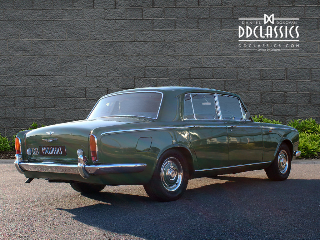 1969 Bentley T Series (RHD) For Sale In London SOLD (picture 3 of 6)