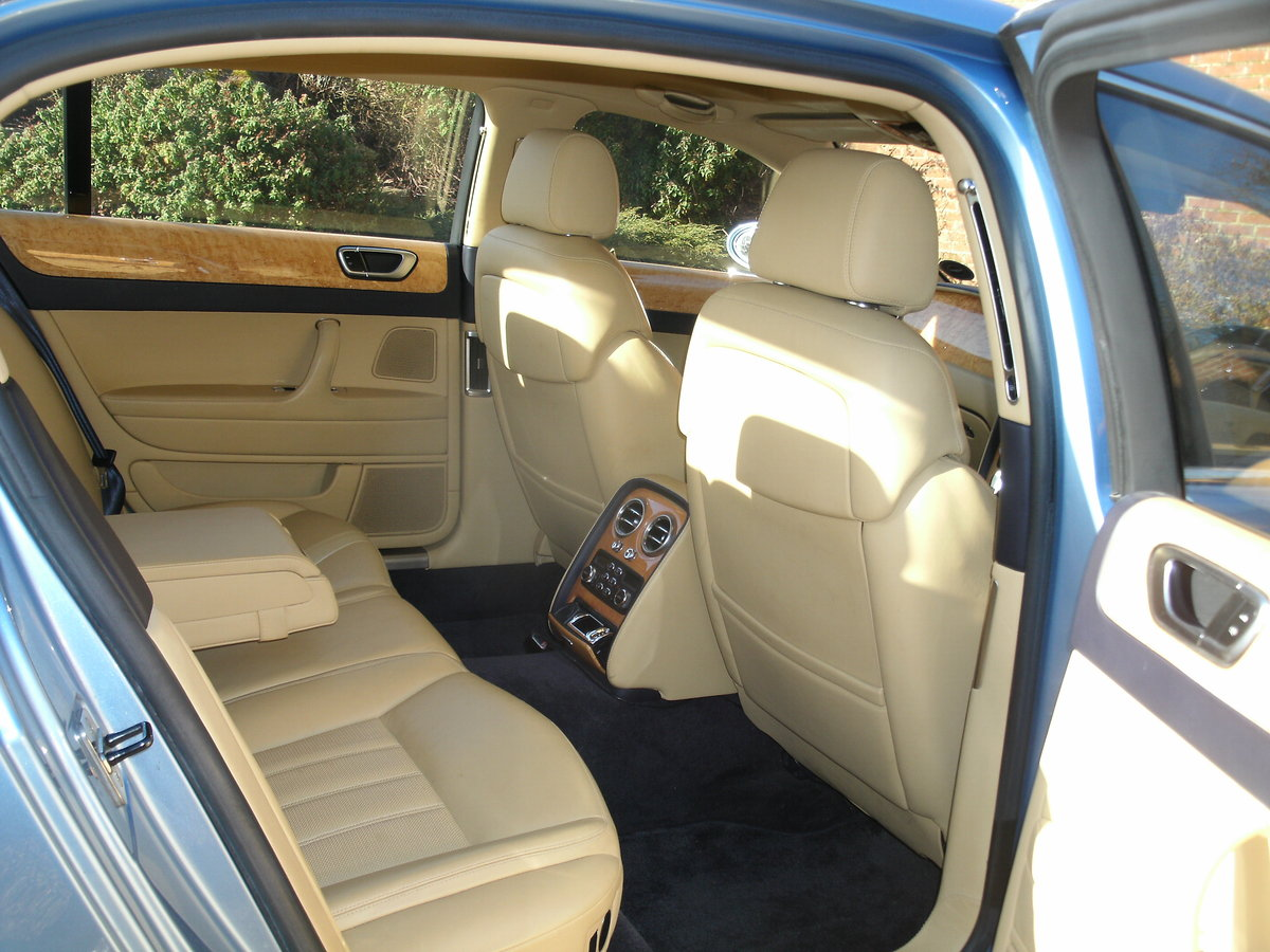 2006 Immaculate Bentley Flying Spur For Sale (picture 4 of 5)